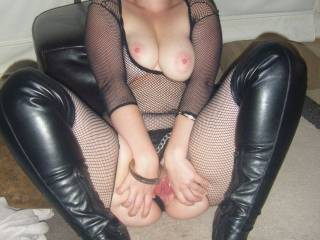 Mr Durty must look forward to Saturdays but I am sure he looks forward to every night with the Mrs.  She is the essence of hot and those boots are driving me crazy.