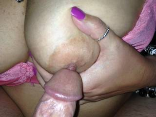 Sexy!!! Love to rub my precum all over my wifes tits and lick them clean. Especially with a finger in my ass