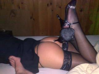 Beautiful ass....more foot and leg shots..Please ;-)