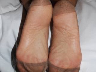 I want to massage your feet lick your perfect arches and suck your sexy delicious toes