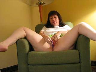 you need osmeone sucking and kissing from your feet along your thighs to your exciting pussy love seeing you taste yourself as I would like to do