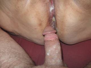 Great pic of her pushing out a hot load of pooper cum