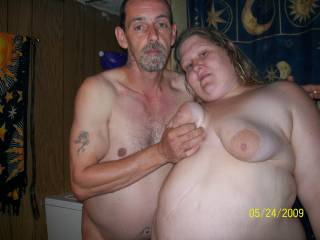 Sexy couple! I love his huge cock and her big sexy belly! Hugs Bg