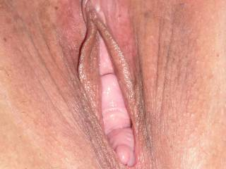 Please tell me what you would like to do to my wet pussy. Tributes are very welcum...