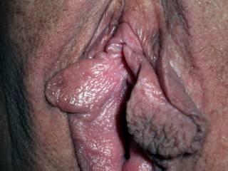 woow these lips are meaty and tasty, can lick them????  peas...xxx