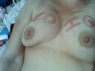 mmmmmmmmmmmmm love your beautiful tits and those big nipples just begging to be sucked on!!