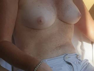 topless on the hotel balcony in Kingston, Ontario