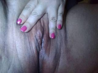 Who wants to spread my lips and suck in my clit.