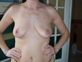 nice tits, does she like girls?