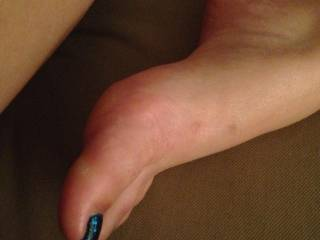 So many of you love her sexy feet!