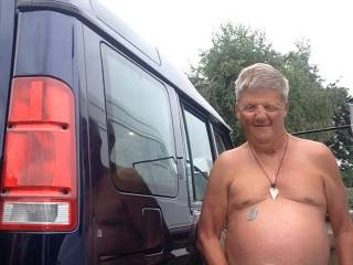 Just parked my Landy on quiet country lane stripped off naked for quick wank